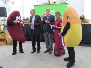 El Ministro de Agricultura, Carlos Furche, junto al Director del INIA y la Representante de FAO en Chile, Eve Crowley, inauguraron la Expo-INIA 2016.
